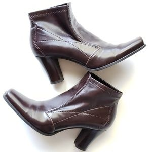 NWOT Franco Sarto • deep brown ankle boots